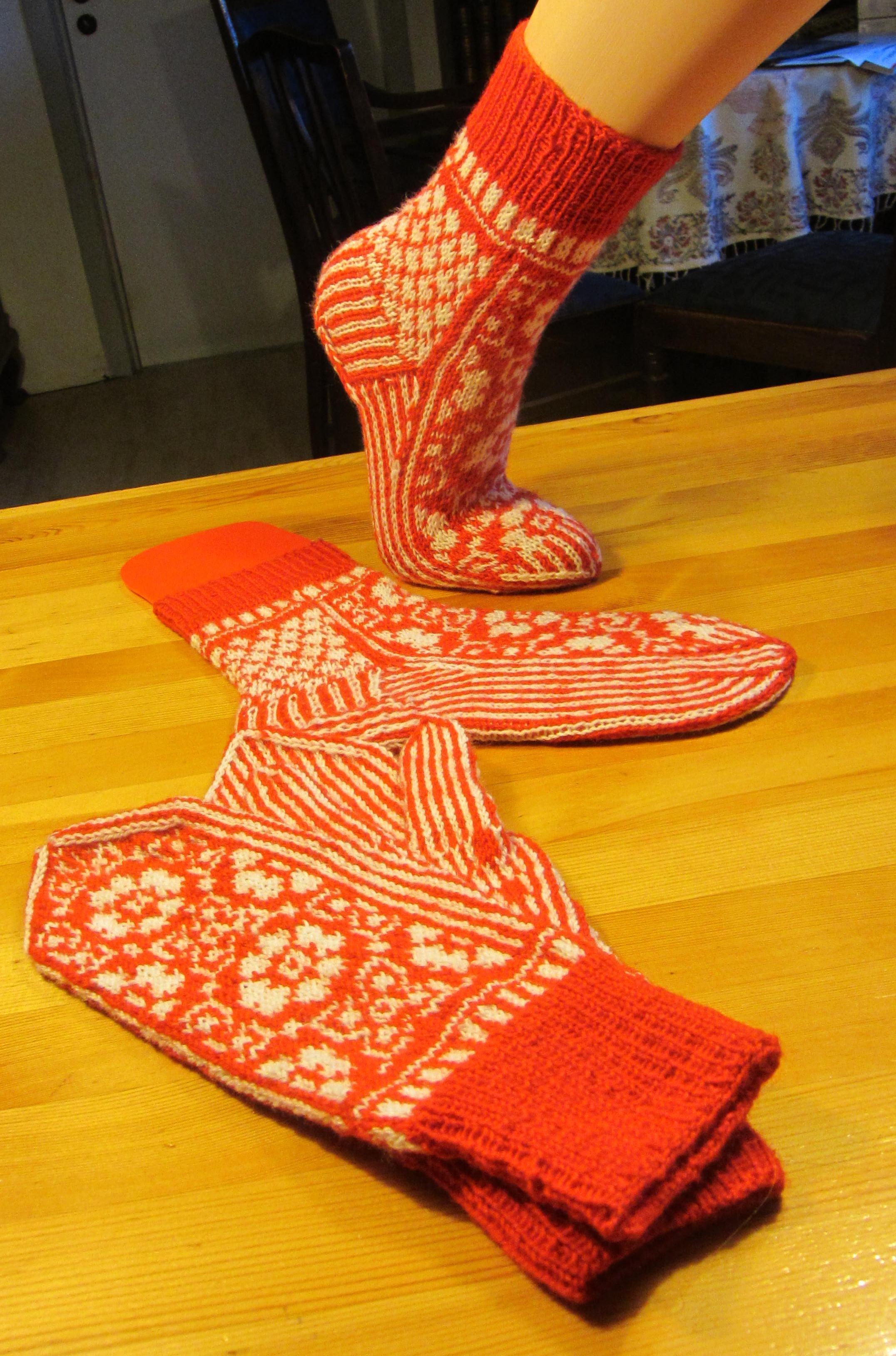 DROPS Handschuhe und Socken
