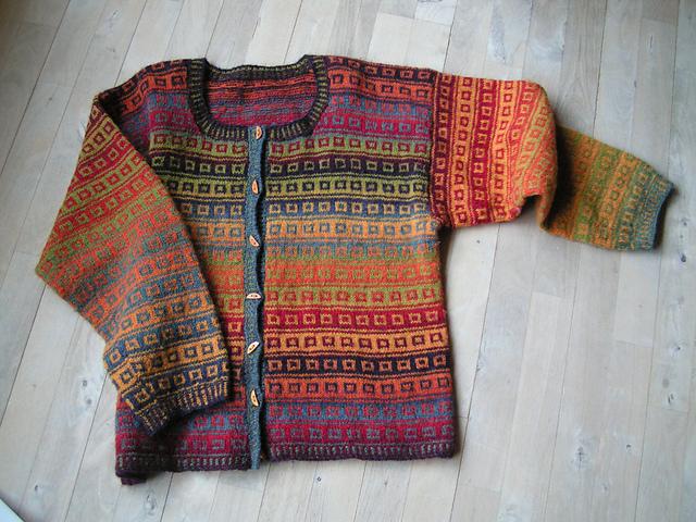 Kauni Rainbow Cardigan von Ruth Sorensen