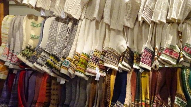 Wunderschöne Socken in der Galerie am Rathaus
