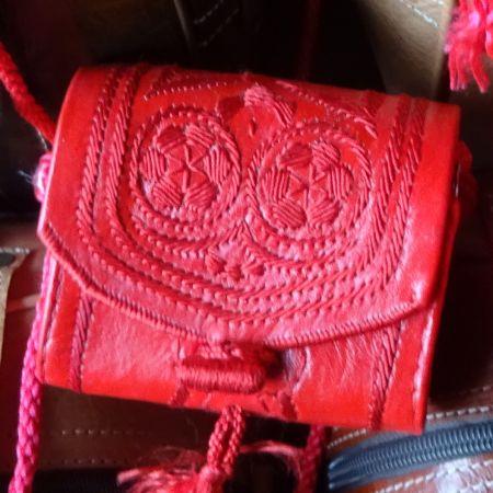 Kleine rote Berbertasche