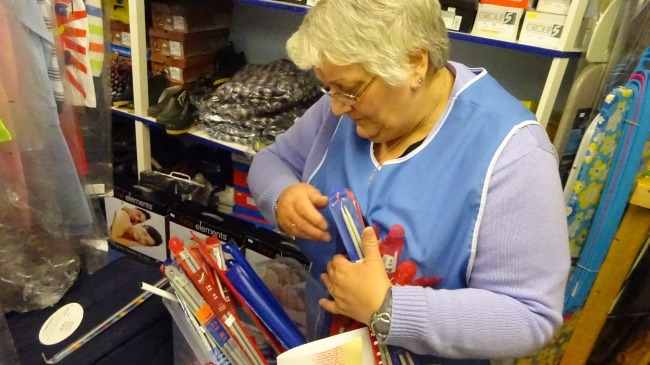 Mary Nicholson im Aywick Shop