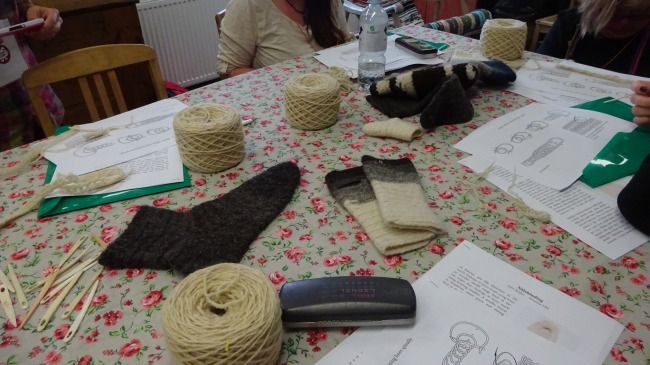 Nalbinding-Workshop: Unser Arbeitstisch