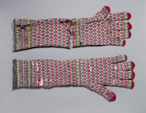 Warren Hastings, Lange, gestrickte Handschuhe