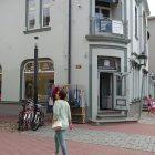 In Pärnu: Rüütli-Straße mit Garnladen