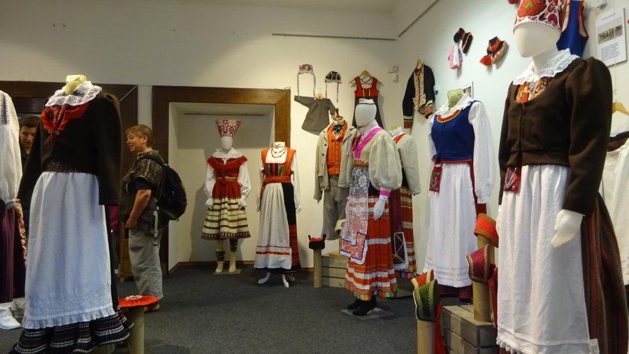 """Ausstellung im """"Eesti Käsitöö"""" in Pikk 22 in Tallinn"""