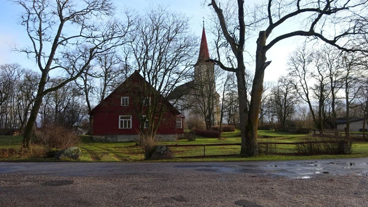 Kirche von Mustjala