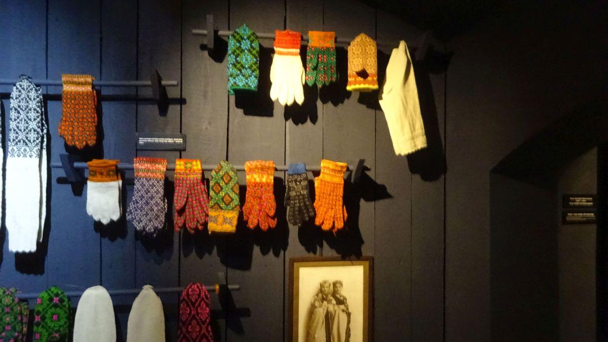 Handschuhe und Socken aus Südkurzeme