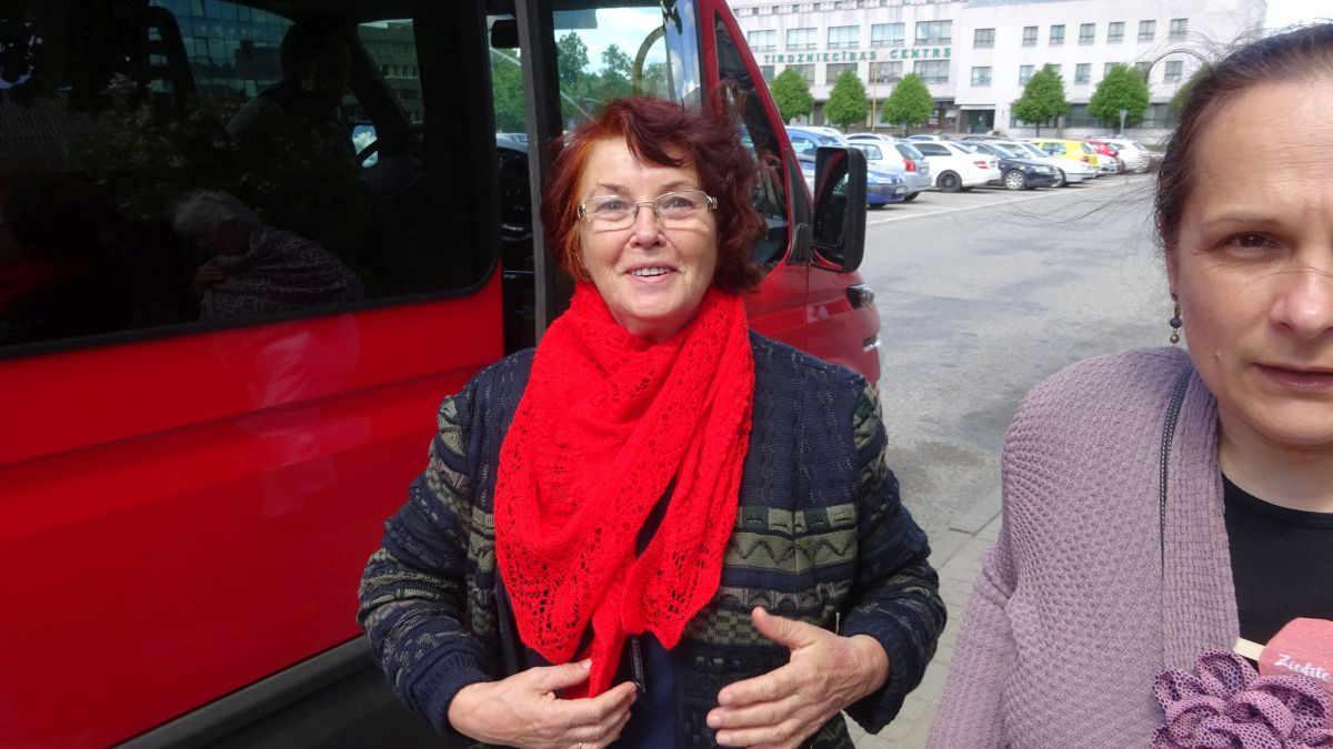 Maruta Grasmane mit dem neuen Schal