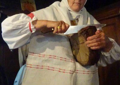 Willlkommmensritual: Brot mit weißer Butter aus Rucava