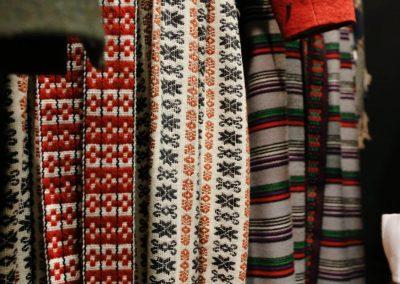 Bänder und Röcke