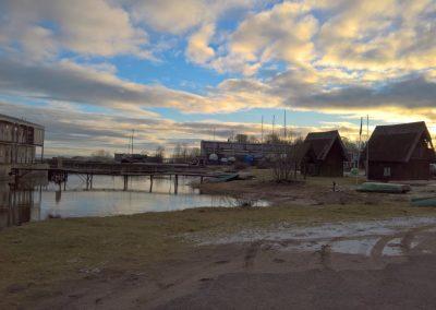 Fischerhütten und Strand