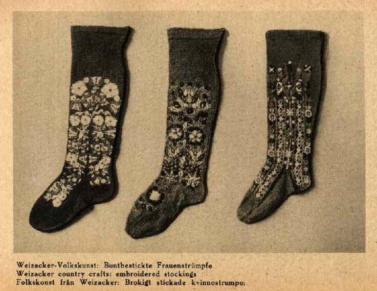 bestickte Frauenstrümpfe aus Weizacker